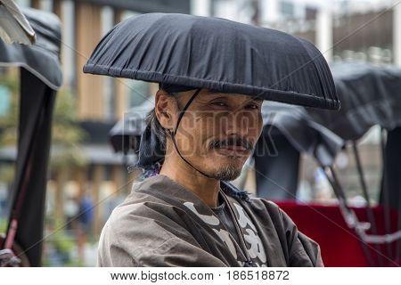 Tokyo Rickshaw Runner