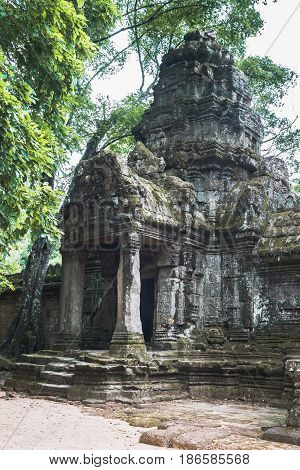 Photo of a temple entrance in Siem Reap, Cambodia
