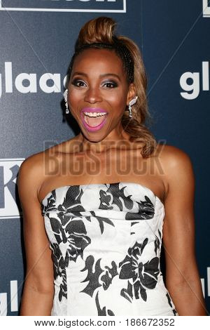 LOS ANGELES - APR 1:  Erica Ash at the 28th Annual GLAAD Media Awards at Beverly Hilton Hotel on April 1, 2017 in Beverly Hills, CA