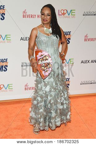 LOS ANGELES - MAY 05:  Siedah Garrett arrives for the Race To Erase MS Gala 2017 on May 5, 2017 in Beverly Hills, CA