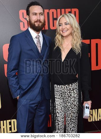 LOS ANGELES - MAY 10:  Kate Hudson and Danny Fujikawa arrives for the 'Snatched' World Premiere on May 10, 2017 in Westwood, CA