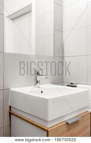 Modern And Ceramic Washbasin