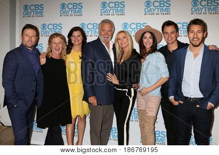 LOS ANGELES - NOV 3: Jacob Young, Alley Mills, Heather Tom, John McCook, Katherine Kelly Lang, Jacqueline MacInnes Wood at the The Bold and the Beautiful