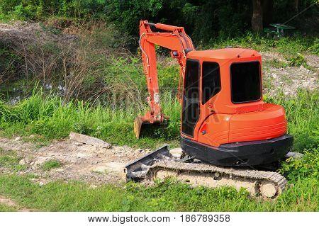 Crawler bucket small excavator bulldozer in working