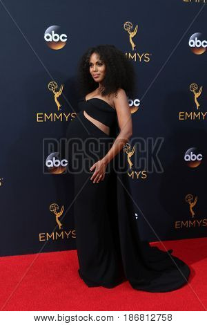LOS ANGELES - SEP 18:  Kerry Washington at the 2016 Primetime Emmy Awards - Arrivals at the Microsoft Theater on September 18, 2016 in Los Angeles, CA