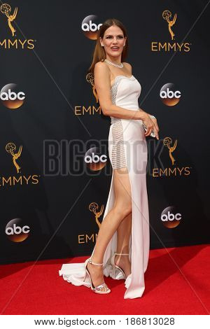 LOS ANGELES - SEP 18:  Suzanne Cryer at the 2016 Primetime Emmy Awards - Arrivals at the Microsoft Theater on September 18, 2016 in Los Angeles, CA