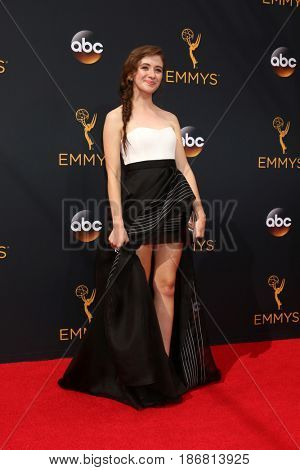 LOS ANGELES - SEP 18:  Noel Wells at the 2016 Primetime Emmy Awards - Arrivals at the Microsoft Theater on September 18, 2016 in Los Angeles, CA