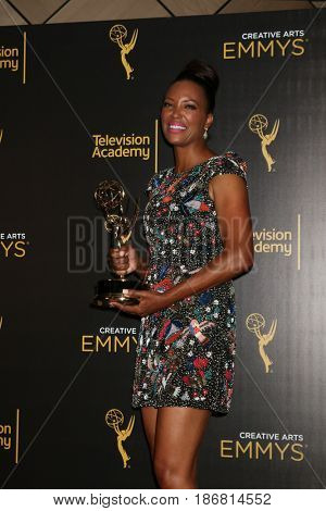 LOS ANGELES - SEP 11:  Aisha Tyler at the 2016 Primetime Creative Emmy Awards - Day 2 - Arrivals at the Microsoft Theater on September 11, 2016 in Los Angeles, CA