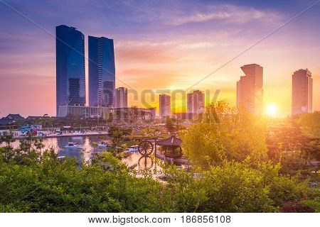 Seoul City With Beautiful Sunset, Central Park In Songdo International Business District, Incheon So