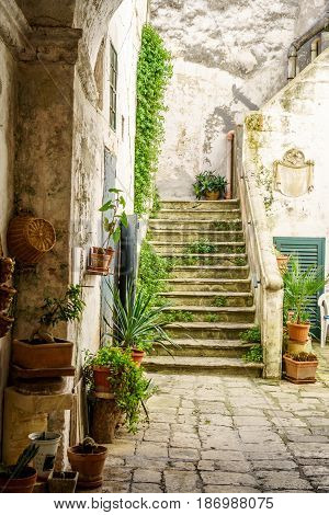 Charming Italian Courtyard