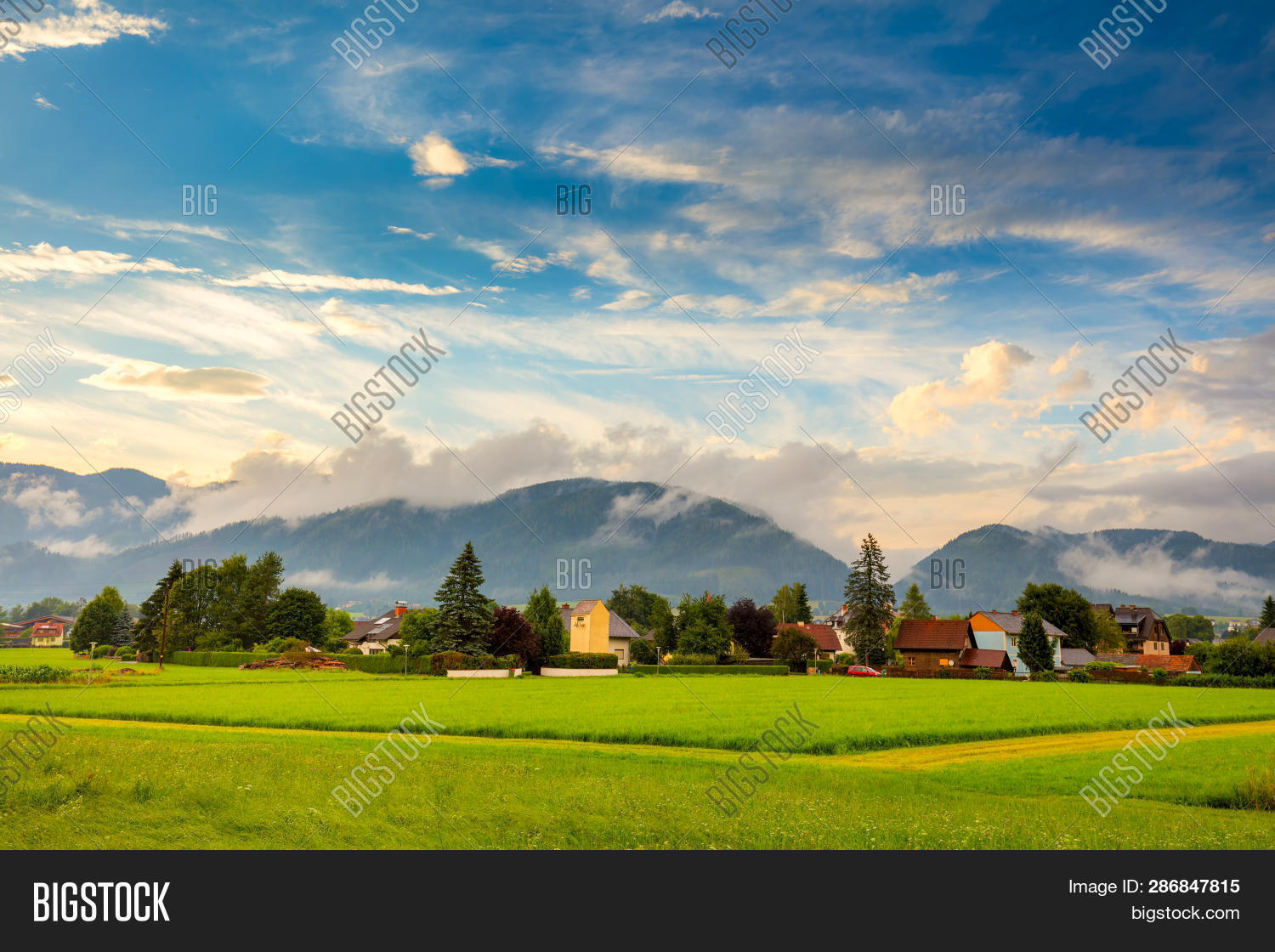 Picturesque Small Town Image & Photo (Free Trial) | Bigstock