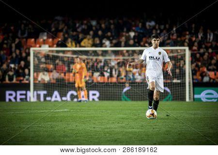 VALENCIA, SPAIN - FEBRUARY 21: Carlos Soler during UEFA Europa League match between Valencia CF and Celtic FC at Mestalla Stadium on February 21, 2019 in Valencia, Spain
