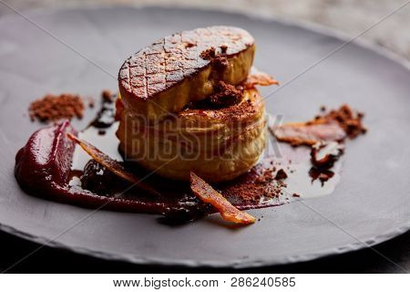 Fois gras on a base of pastry