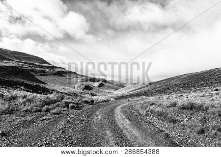 The Road Between  Matjiesrivier And Wupperthal In The Cederberg Mountains Of The Western Cape Provin