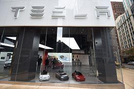 Tesla Car Dealership Entrance And Sign, Chicago, Il November 24, 2018