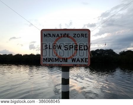 Manatee Zone Slow Speed Minimum Wake Sign