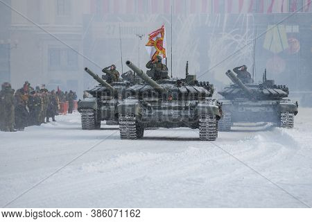 Saint Petersburg, Russia - January 24, 2019: Convoy Of Russian  Tanks Of T-72b3 On The Palace Square