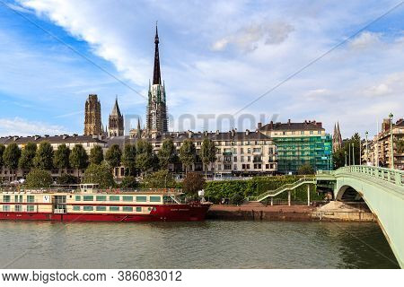 Rouen, France - August 31, 2019: This Is A View Of The Embankment Of The Right Bank Of The Seine And