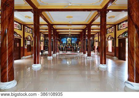 Hoi An, Vietnam, September 20, 2020: Main Hall Of Tinh Xá Ngoc Cam Temple. Hoi An, Vietnam