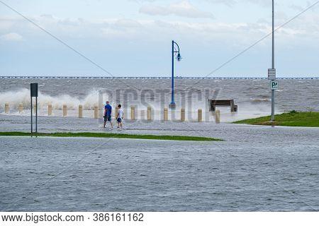 New Orleans, Louisiana/usa - 9/15/2020: Waves And Flooding Along Lake Pontchartrain From Hurricane S