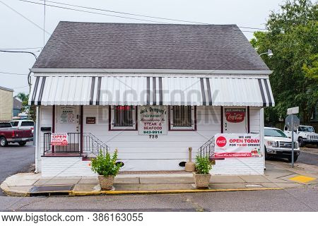 New Orleans, Louisiana/ Usa - 9/18/2020: Jack Dempsey's Restaurant In Bywater Neighborhood