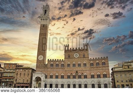 The Piazza Del Palio In Siena With The Famous Torre Del Mangia