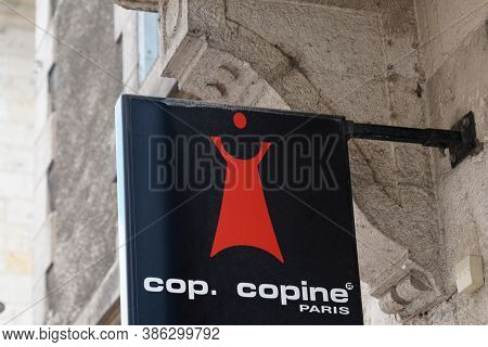 Bordeaux , Aquitaine / France - 09 15 2020 : Cop Copine Logo And Sign Front Of Clothing Store French