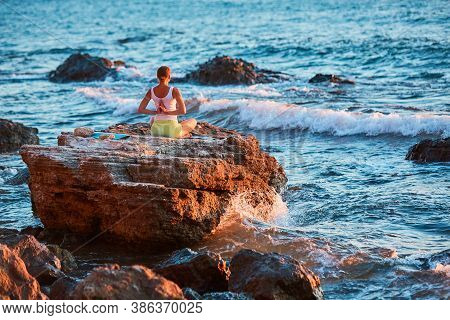 Lady Train On Fresh Air. Virgin Nature Landscape. Stretching Body Near Ocean. Pilates, Yoga Time Con