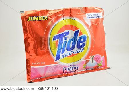 Manila, Ph - Sept 10 - Tide With Downy Laundry Soap On September 10, 2020 In Manila, Philippines.
