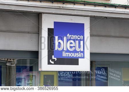 Brive , Auvergne / France - 09 20 2020 : France Bleu Limousin Logo Sign Front Of Locale Radio Networ