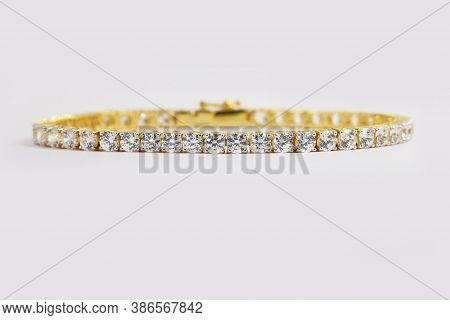 Diamond Tennis Bracelet In 4 Prong Yellow Gold