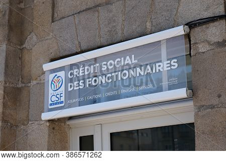 Bordeaux , Aquitaine / France - 09 20 2020 : Csf Logo Office And Text Sign French Bank And Insurance