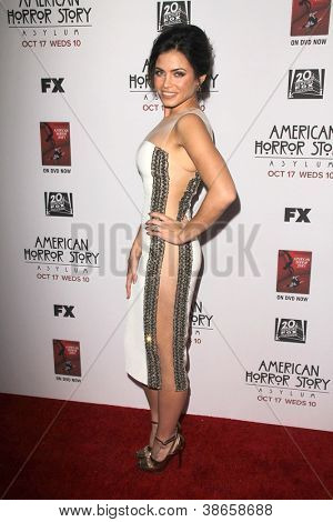 """LOS ANGELES - OCT 13:  Jenna Dewan-Tatum arrives at the """"American Horror Story: Asylum"""" Premiere Screening at Paramount Theater on October 13, 2012 in Los Angeles, CA"""