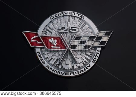 Toronto, Canada - 08 18 2018: Silver Anniversary Series Logo Of 1978 C3 Chevrolet Corvette Coupe Old