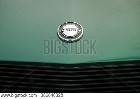 Toronto, Canada - 08 18 2018: Datsun Emblem On The Hood Of 1971 Datsun 240z Coupe Oldtimer Sports Ca