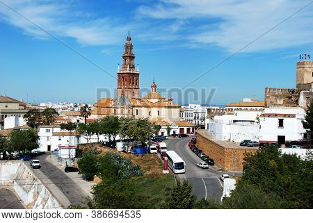 Carmona, Spain - April 07, 2009 - Elevated View Of St Peters Church (iglesia De San Pedro) And Town