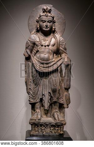 Ancient Standing Bodhisattva Schist Statue Image In 2nd Century, Kushan Dynasty From Gandhara, Pakis