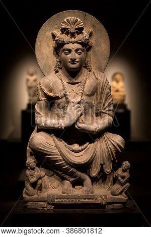 Ancient Cross-legged Bodhisattva Schist Statue Image In 2nd Century, Kushan Dynasty From Gandhara, P