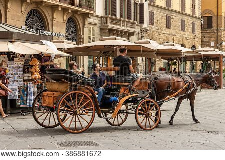 Florence, Italy - Aug 3, 2020: Sightseeing Tour In A Horse-drawn Carriage In Florence Downtown, Piaz