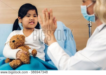 Woman Doctor Wearing Protective Mask Service Help Support Discussing And Consulting Talk To Little G