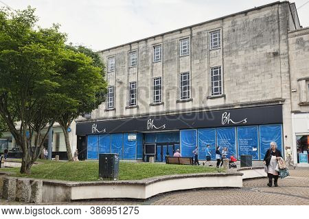 8 June 2018: Plymouth, Devon, Uk - The Closed Bhs Store In Cornwall Street, Still Unused Nearly Two