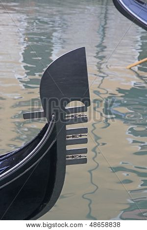 Famous Romantic Boat Gondola In Venice 5
