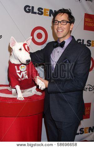 Dan Bucatinsky and Bullseye at the 2013 GLSEN Awards, Beverly Hills Hotel, Beverly Hills, CA 10-18-13