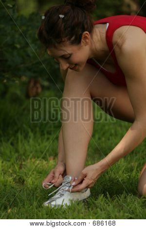 womanfitnessmodelshoelace