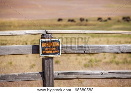 'no Hunting Without Permission' Sign
