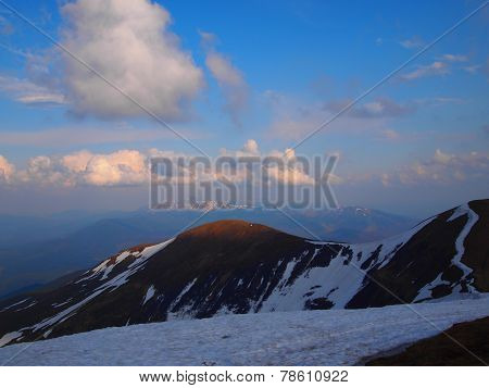Carpathian mountains 18 under snow in spring