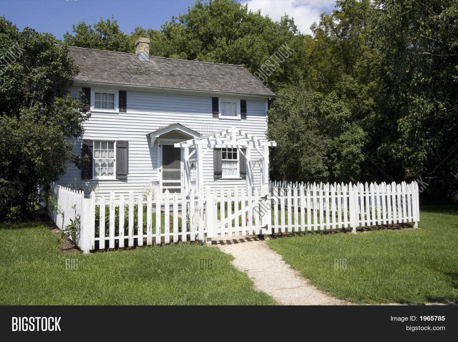 little house white picket fence image photo bigstock. Black Bedroom Furniture Sets. Home Design Ideas