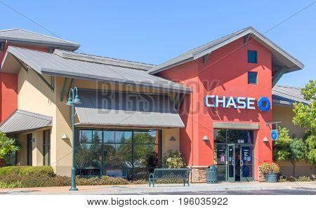 Chase Bank Exterior