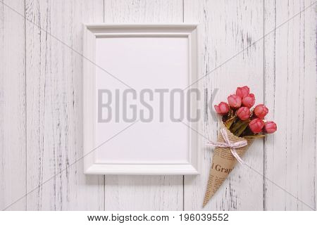 Stock Photography White Frame Vintage Painted Wood Floor Red Rose Flower Template Background