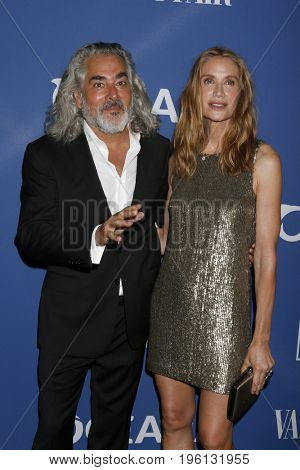 LOS ANGELES - July 17:  Mitch Glazer, Kelly Lynch at the Oceana Presenst: Rock Under The Stars With Don Henley And Friends at the Private Residence on July 17, 2017 in Los Angeles, CA